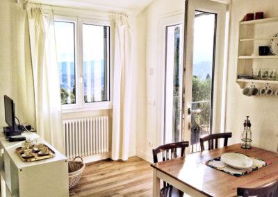 casa-novaro-imperia-appartamento-corbezzolo-vacanza-entrata
