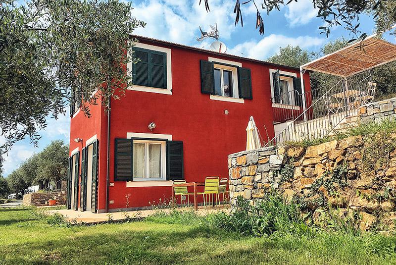 appartamento-oliva-esterno-casa-novaro