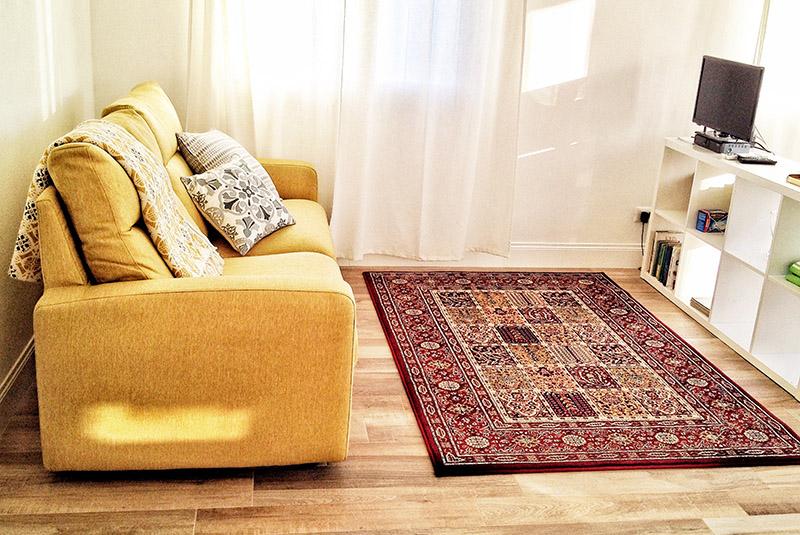 divano-letto-appartamento-corbezzolo-casa-novaro