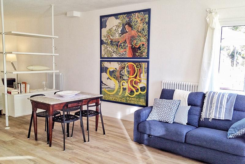 soggiorno-divano-appartamento-oliva-casa-novaro